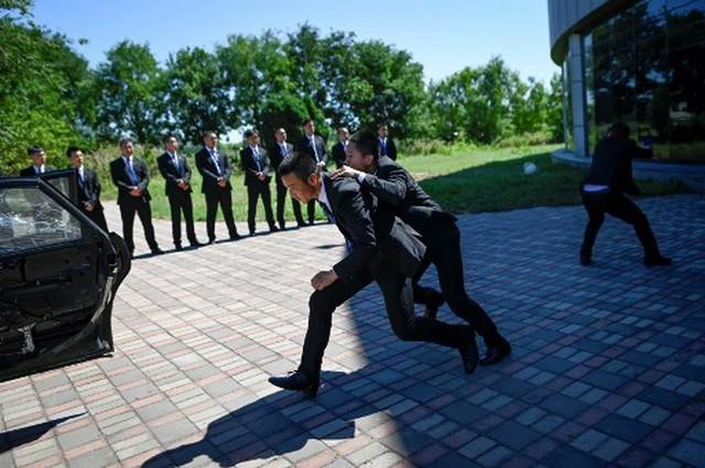 Bên trong lò đào tạo vệ sĩ cho giới nhà giàu Trung Quốc